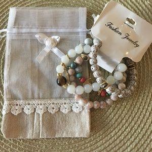 Jewelry - White Stone Bead Bracelet w/Drawstring Pouch